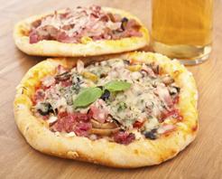 Gianni's Pizza Restaurant in Hillsboro, IL at Restaurant.com