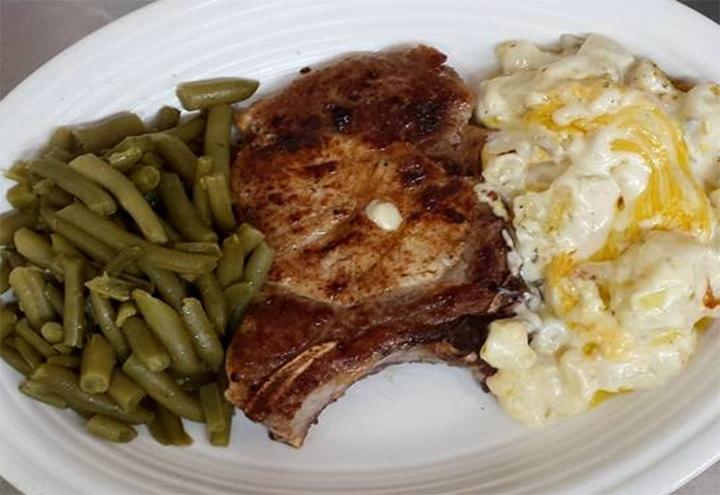 Robert's Family Diner in Sparta, TN at Restaurant.com