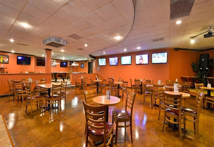 Stretch's Sports Bar & Grill in Waukegan, IL at Restaurant.com
