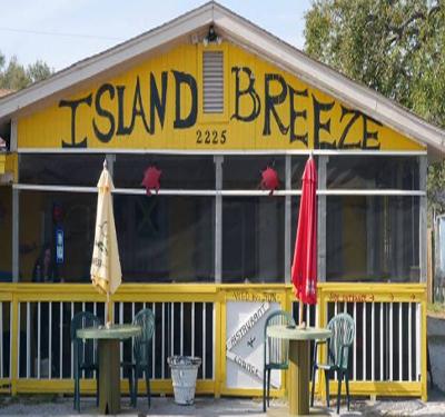 Island Breeze Logo
