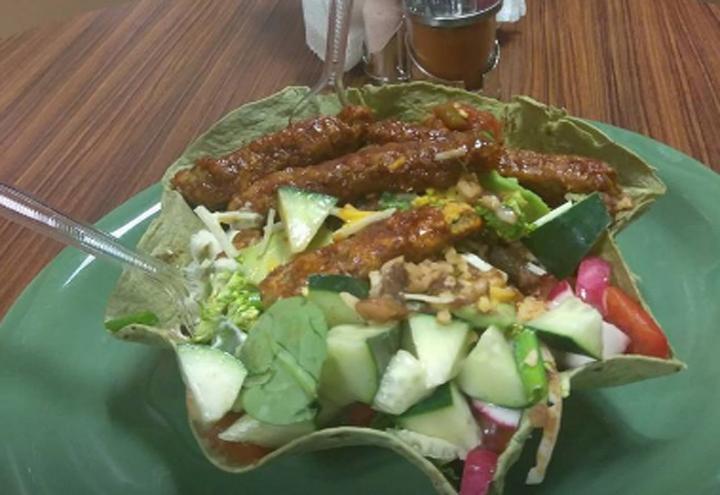 Veggininis Paradise Cafe in Detroit, MI at Restaurant.com
