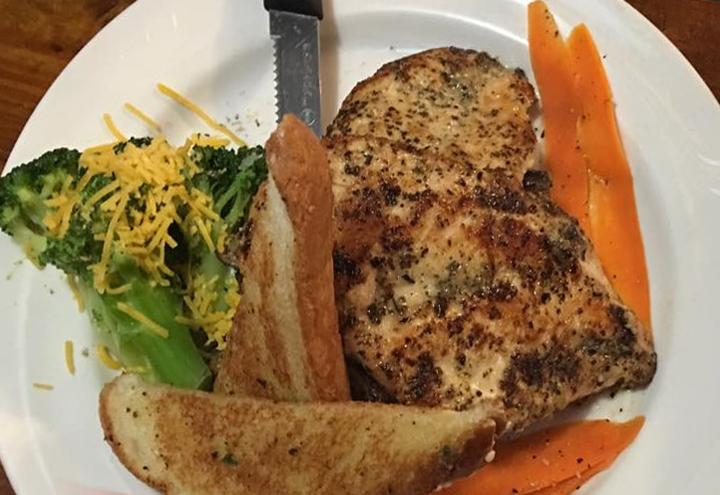 Black Gold Steak House in Belle Glade, FL at Restaurant.com